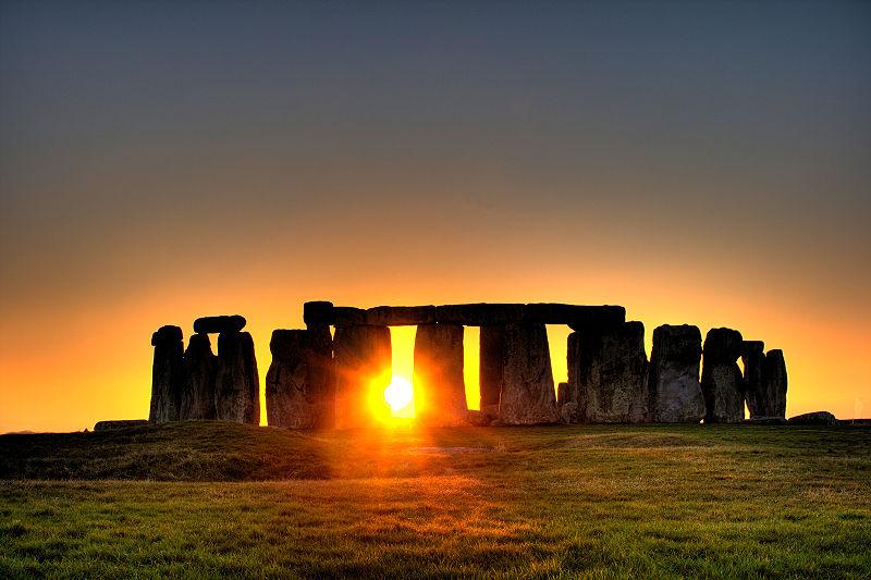 800px-Stonehenge_(sun) photo copyright flickr user Simon Wakefield 2008